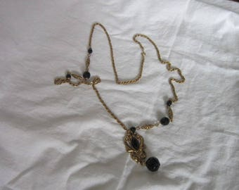 Large Retro High Fashion Necklace with Faceted Black Glass & Triple Link Chain