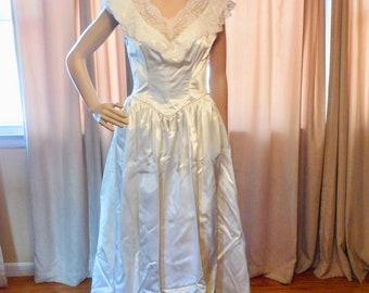 Vintage Bridal Gown White Satin Lace Wedding Gown Train 1950s Bridal Gown MCM Bride
