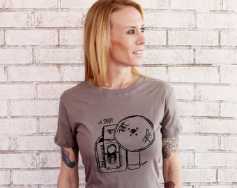 Oh Snap Camera T Shirt, Short Sleeved Cotton Crewneck Graphic Tee, Funny Screen-printed Tshirt, Warm Grey, Hand Printed, Womens Clothing