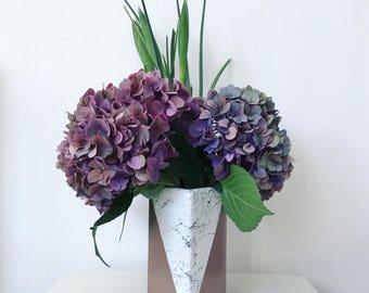 Metallic and marble pot // rose gold // vase // makeup brush holder // desk organiser