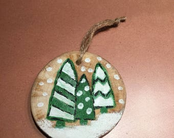 Christmas tree, wood slice.
