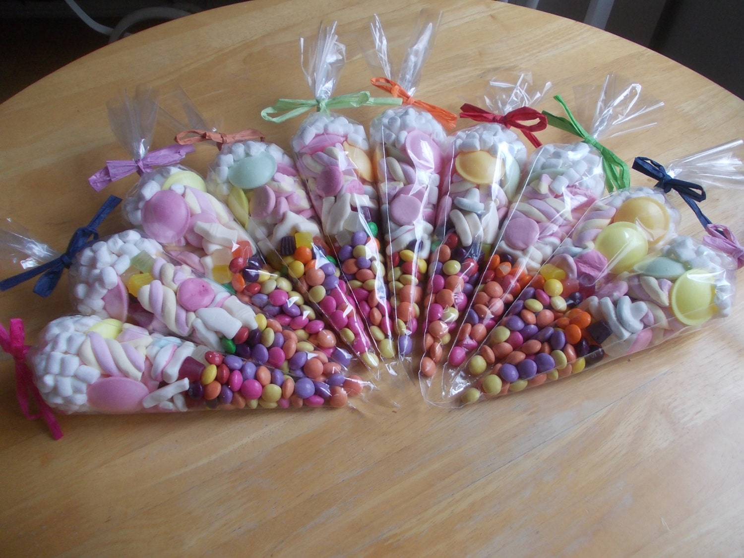 Sweet cones mixed colour set of 10 party favours childrens zoom negle Gallery