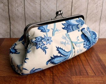 Cream and blue pleated evening clutch purse in frame, floral bag, kisslock frame