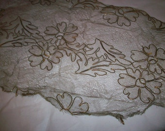 "30"" long x 7"" wide metal/silk lace gold"