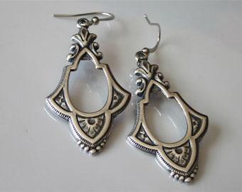 Silver Teardrop Earrings, Victorian Earrings, Antiqued Silver Wedding, Dangle Earring, Bridesmaid Gift, Silver Drop Earring