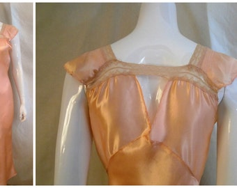 Vintage 1930s Nightgown Peach Satin Rayon and Lace Bias Cut Old Hollywood Medium