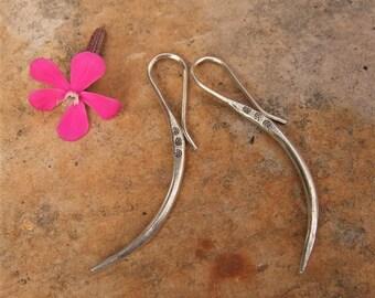 Silver Earrings. Silver jewellery. Ethnic earrings. Ethnic jewellery. Silver Jewelry. Ethnic Jewelry. Hill Tribe Silver Earrings.