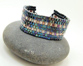 Berry Salad/Beadwoven Bracelet/Beadwoven Cuff/Accessor/Cube Cuff/Beaded Bracelet/Handmade Jewelry/Peyote Stitch