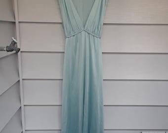 Vintage  1970s Womens Pastel Blue Lingerie Long  Maxi Sleeveless Plus Size Slip Dress