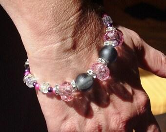 Beautiful chic and elegant pearl bracelet