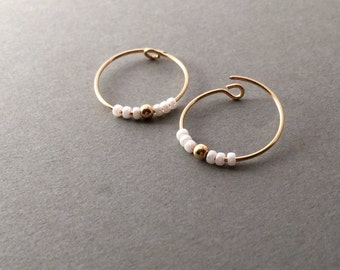 Small gold hoop earrings,Dainty Everyday Woman Jewelery,Delicate hoop earrings,Minimalist hoop earrings,Beaded gold hoop earrings,Small hoop