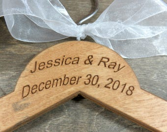 Engraved Wire Name Hanger - Custom Name Hangers - Bride Coat Hangers - Bridal Accessories - Wedding Dress Hangers - Personalized Hangers