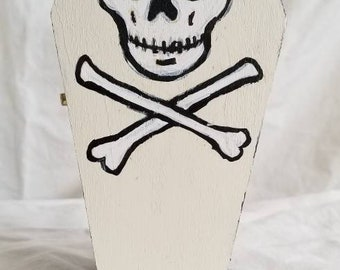 "6"" skull coffin stashbox 05"