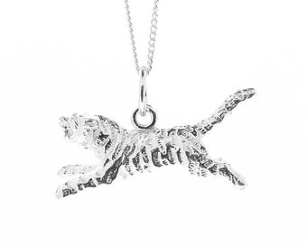 Sterling Silver Tiger Pendant & Chain