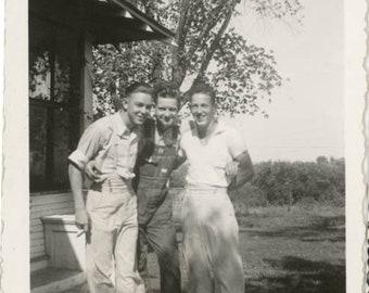 vintage photo 1938 Frank Bill Tom Affectionate Men Gay int