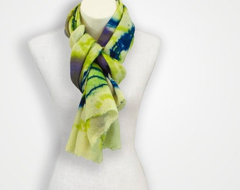 Green luxurious cashmere scarf, evening shawls and wraps, gift for bestfriend, pashima tree scarf, birthday gift for aunt, indian scarf