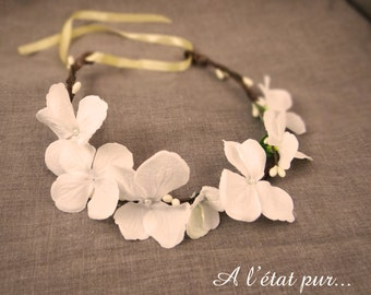 Flower crown whites