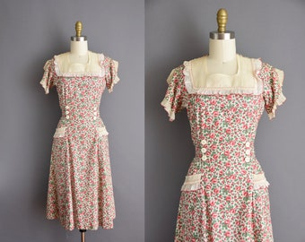 ON LAYAWAY...30s vintage red rose Fruit Of The Loom cotton dress Small 1930s feedsack cotton vintage sun dress