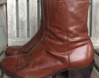 Vintage Florsheim Brown Leather Ankle Boots - Womens Size 8
