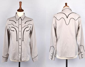 Cowgirl Blouse with Pearl Snap Buttons by Roper, Denver, Colorado || Western Shirt