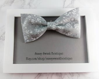 Bow Tie, Snow Flake Clip on Bow Tie, Baby Bow Tie, Baby Wedding Bow Tie, Ring Bearer, First Birthday Tie, Toddler Bow Tie, Baby Gift,