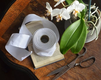 white taffeta french wired ribbon