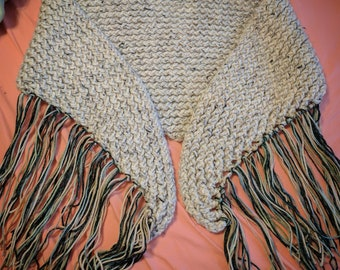 Wool fringe shawl