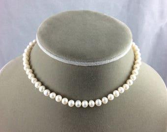 White freshwater pearl single strand choker necklace