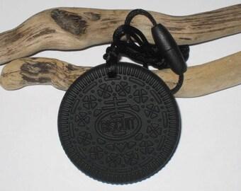 Black biscuit silicone teething ring