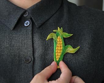 Sweet corn pin Corn brooch Veggie pin Veggie brooch Sweet corn artwork Vegetable pin Vegetable badge Felted veggie Felt vegetable brooch