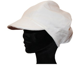 Newsboy cap in fine white corduroy fabric