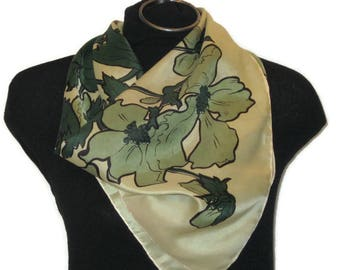 60s Green Scarf Leaf Scarf 1960s Square Scarf Made in Italy Light Green Leaves Dark Green Large Square Kerchief Square Neckerchief