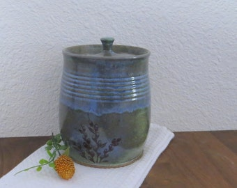 Compost Crock - Handmade Stoneware Ceramic Pottery - Charcoal Grey and White - Willow - 1-1/2 Quart