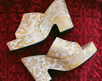 Vintage 1990s Satin Chunky Heel Mules, Asian Platform Shoes, 9&Co Dragon Heels, Sz 7.5