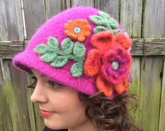 Brimmed Wool Hat in Fuchsia with Flowers