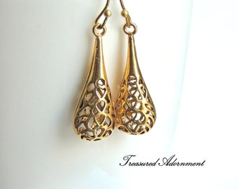 READY TO SHIP, Antiqued Gold tone Filigree Raindrop Earrings, Vintage Style,  Bridesmaids Earrings, Thank you gift, Summer earrings