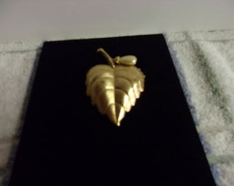 Golden Leaf With Pearl Like Accent Perfume Brooch Avon 1970's