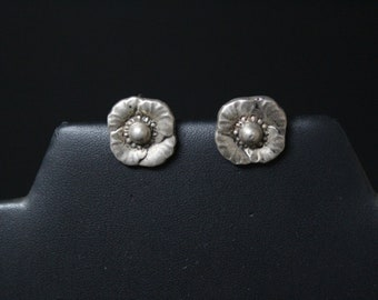 Sterling Silver Flower Screw Back Earrings, Sterling Silver Flower Earrings, Antique Sterling Floral Earrings, Springtime Jewelry