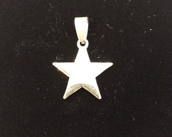 Pointy star pendant with possibility of custom engraving