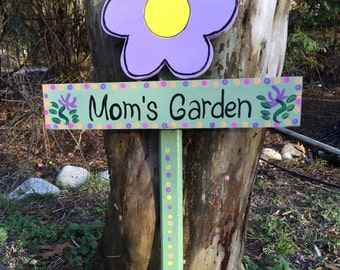 Mom's garden sign garden stake lawn ornament