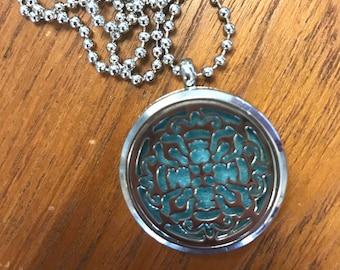 Aromatherapy Lockets and Essence Pads - Lace design