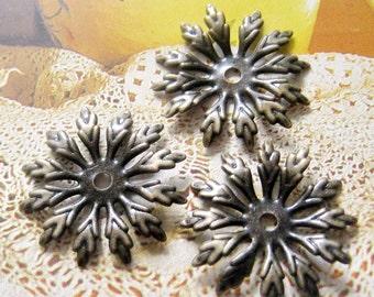 10 pcs Vintage brass flower caps / beads caps
