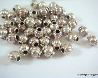 50 Antique Silver Spacer Bead Ribbed Lantern Bead Barrel 4mm Tibetan LF/CF - 1.5mm hole - 50 pc - M7002-AS50