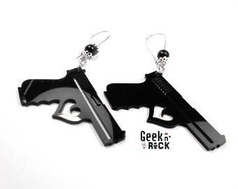 Rock earrings gun love gun fire fatal woman