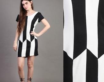 SALE SALE SALE vintage Color Block striped B+W op-art zig zag bodycon party mod mini dress 90s 1990s S M small medium