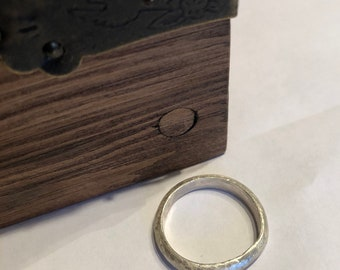 Handmade hammered silver thumb ring