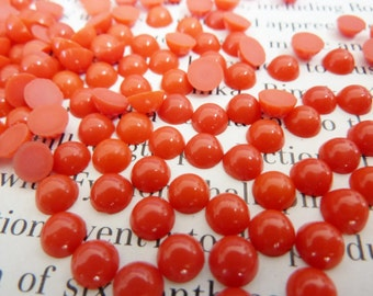 24 glass cabochons, Ø5mm, red, round