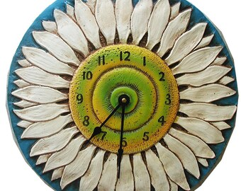 Daisy Flower Clock
