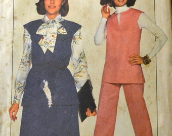 Vintage 1977 Sewing Pattern Simplicity 8158  Misses' JIFFY Tunic, Skirt, and Pants Bust 38 Inches Complete