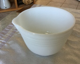 Vintage Pyrex Ribbed Milk Glass Mixing Bowl with Pour Spout #16